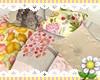 !V Spring pillows seat
