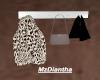 Hanging coat/purse rack