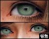 害羞. Big Eyes