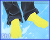 Sh! Yellow socks~